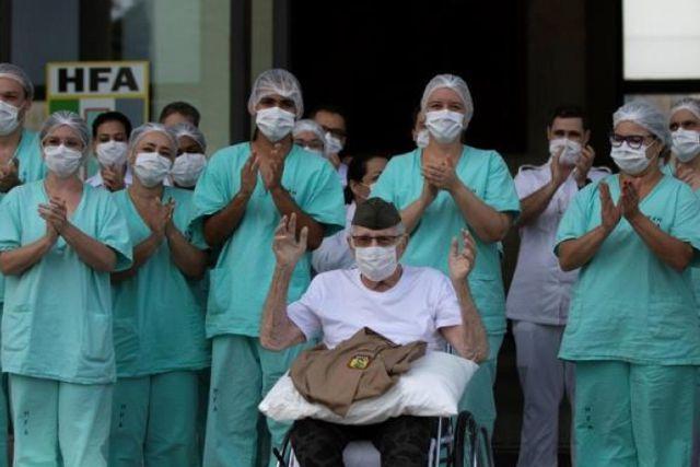 Un excombatiente brasileño vence al covid-19 a sus 99 años