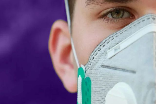 Alerta OMS por nuevo síntoma de coronavirus; Dificultad para hablar y moverse