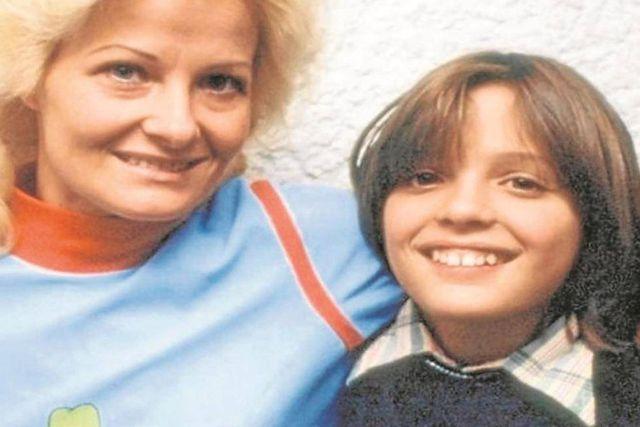 Aseguran que madre de Luis Miguel está viva y radica en Argentina: Exdirector de Interpol