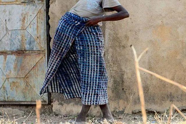 Descubren fábrica de bebés en Nigeria: Rescatan a 4 bebés, 4 embarazadas y 2 mujeres