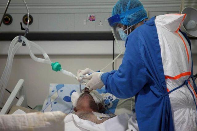Acusan a doctor de matar a pacientes de Covid para liberar camas en  un Hospital de Italia