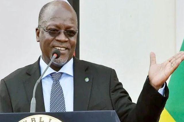 Presidente de Tanzania da positivo a Covid y prefiere hierbas y rezos a vacunas vs Covid