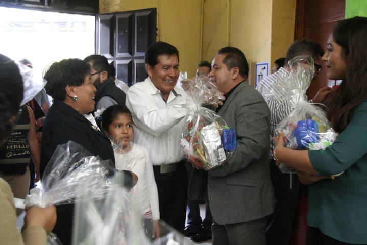 Ayuntamiento y SMDIF celebraron a más de 400 abuelitos en su día