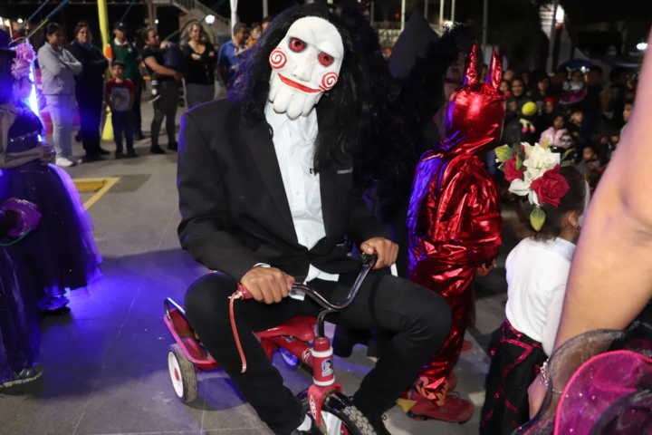 Realiza Gobierno de Xicohtzinco con éxito Concurso de disfraces