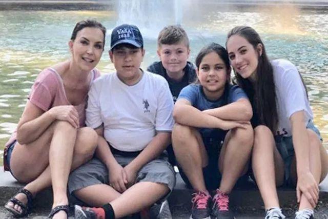 Busca Laura Flores a los padres biológicos de sus hijos adoptivos