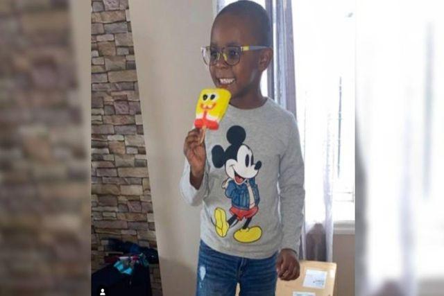 Niño fanático de Bob Esponja compra con la tarjeta de su madre 2 mil dólares en dulces