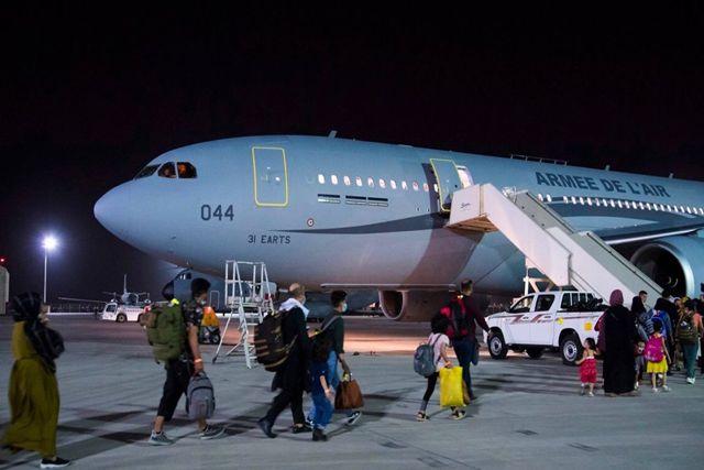 Reportan atentado explosión en el aeropuerto de Kabul