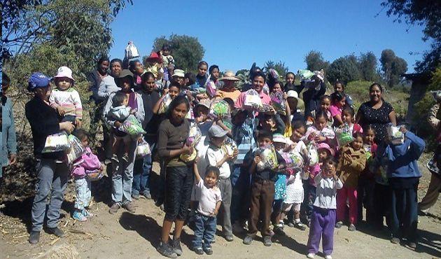Entrega Martha Palafox 8 toneladas de alimentos a niños con anemia en Tlaxcala