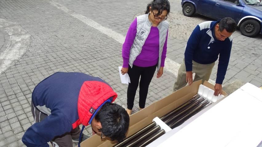 Continúa entrega de calentadores solares en Xicohtzinco