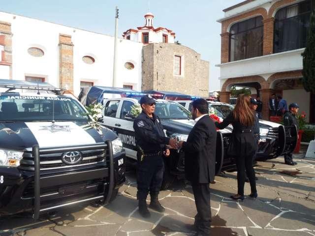 Alcalde mejora la seguridad del municipio con nuevas patrullas