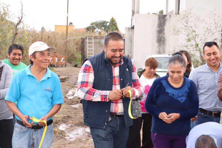 Entrega Badillo Jaramillo ampliación de drenaje sanitario y red de agua potable