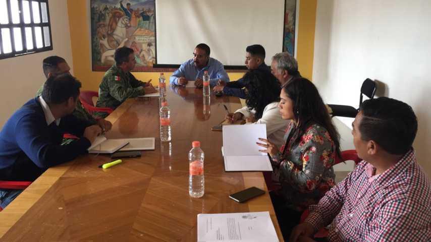Se reúne Badillo Jaramillo con elementos de la Guardia Nacional