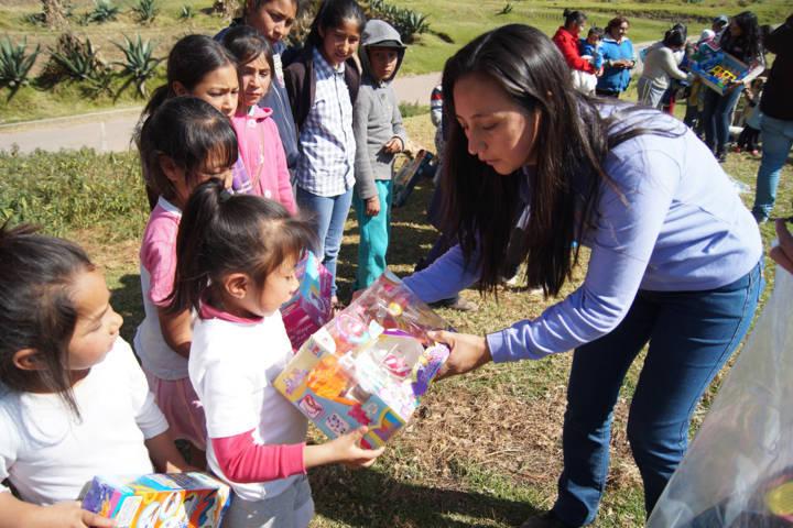 El juguetón Azteca llego a dar felicidad a cientos de niños del municipio: RMFA