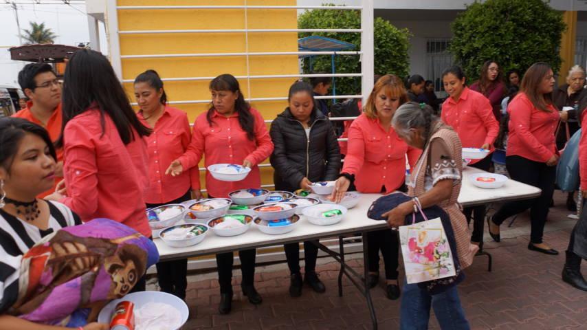 El DIF municipal de Xicohtzinco festejo a cientos de mamás en su día