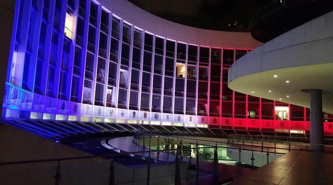Lorena Cuéllar condena actos de violencia en París, Francia