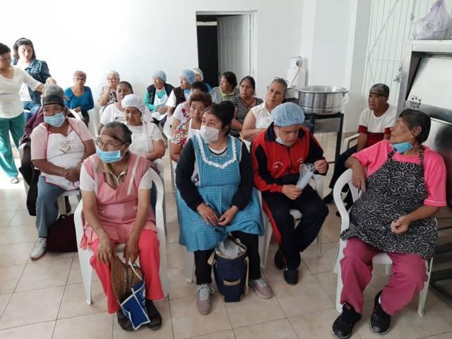 El SMDIF fomenta la buena alimentación de adultos mayores a base de soya