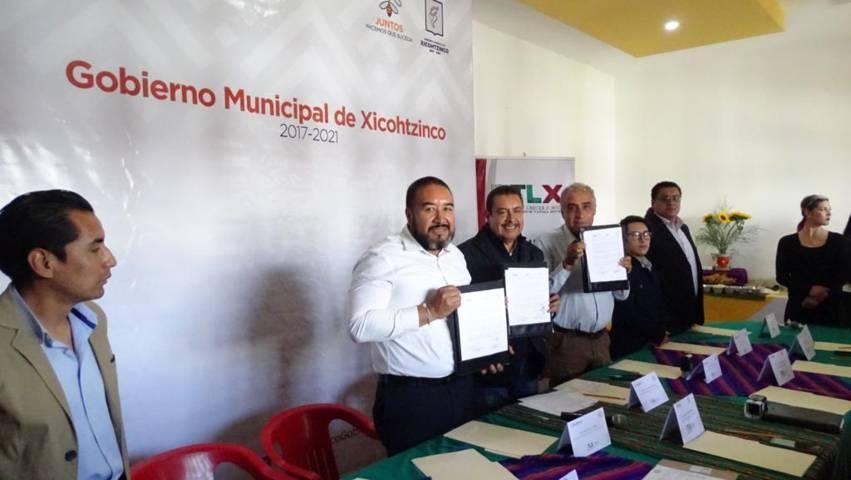 Firma Xicohtzinco convenio de colaboración con ICATLAX