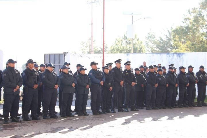 Alcalde con 2 mdp refuerza el bienestar social de 110 policías y sus familias