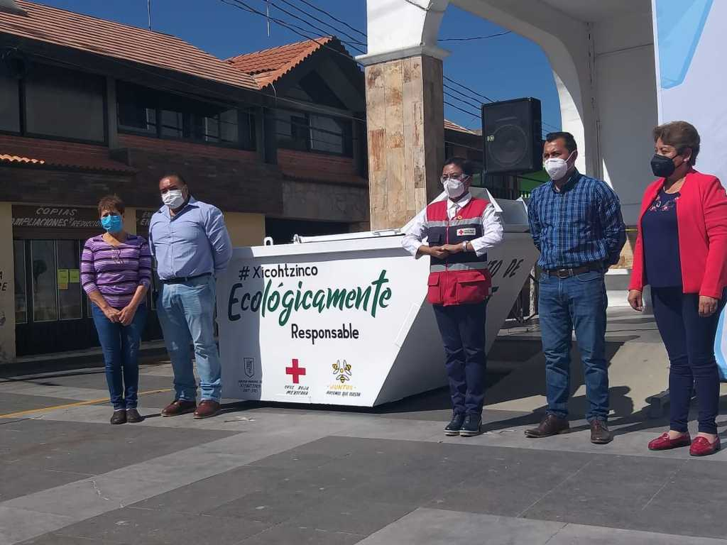 Se suma Xicohtzinco a la recolección de PET de la Cruz Roja