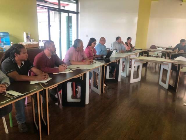 Se reúne Presidente Municipal de Xicohtzinco con directivos de la empresa Resirene