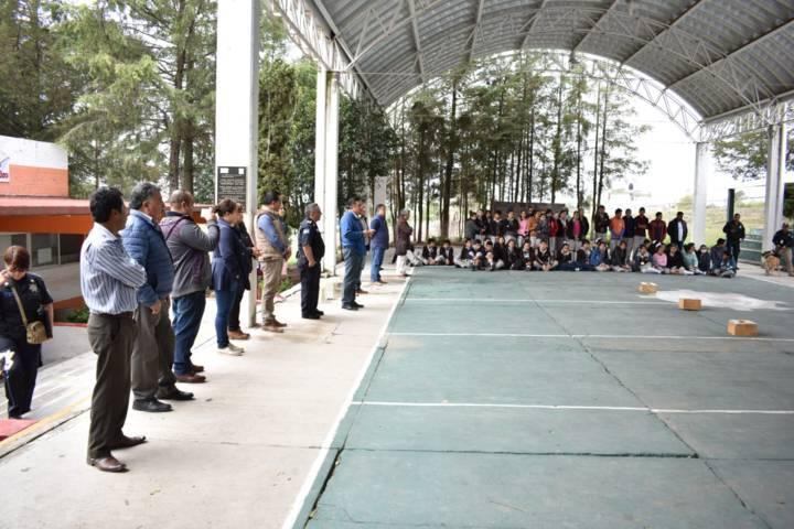 Ayuntamiento fomenta la cultura de la prevención en alumnos con platicas