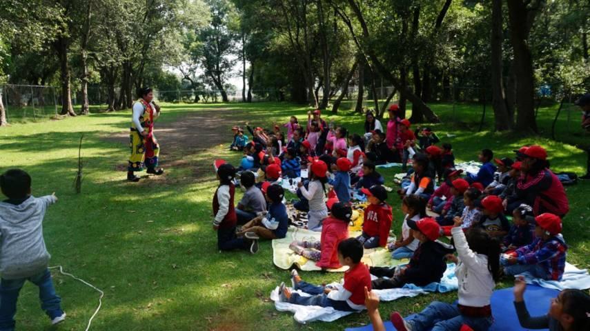 El SMDIF de Xicohtzinco festejo en grande a cientos de niños y niñas en su día