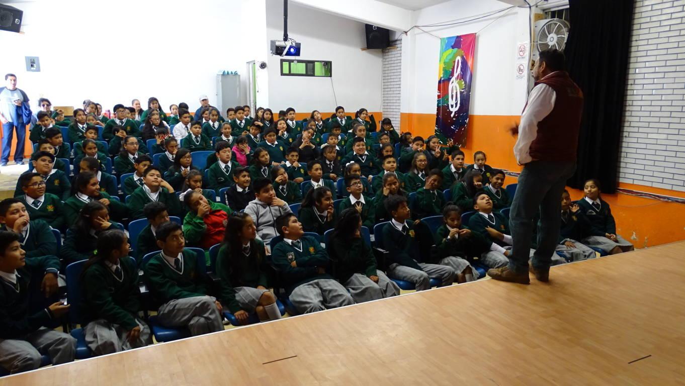 Refuerza Xicohtzinco prevención del delito en escuelas del municipio