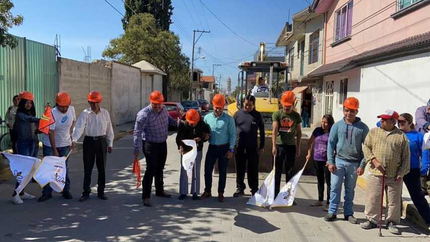 Dan en Xicohtzinco banderazo de inicio para obra de rehabilitación de drenaje