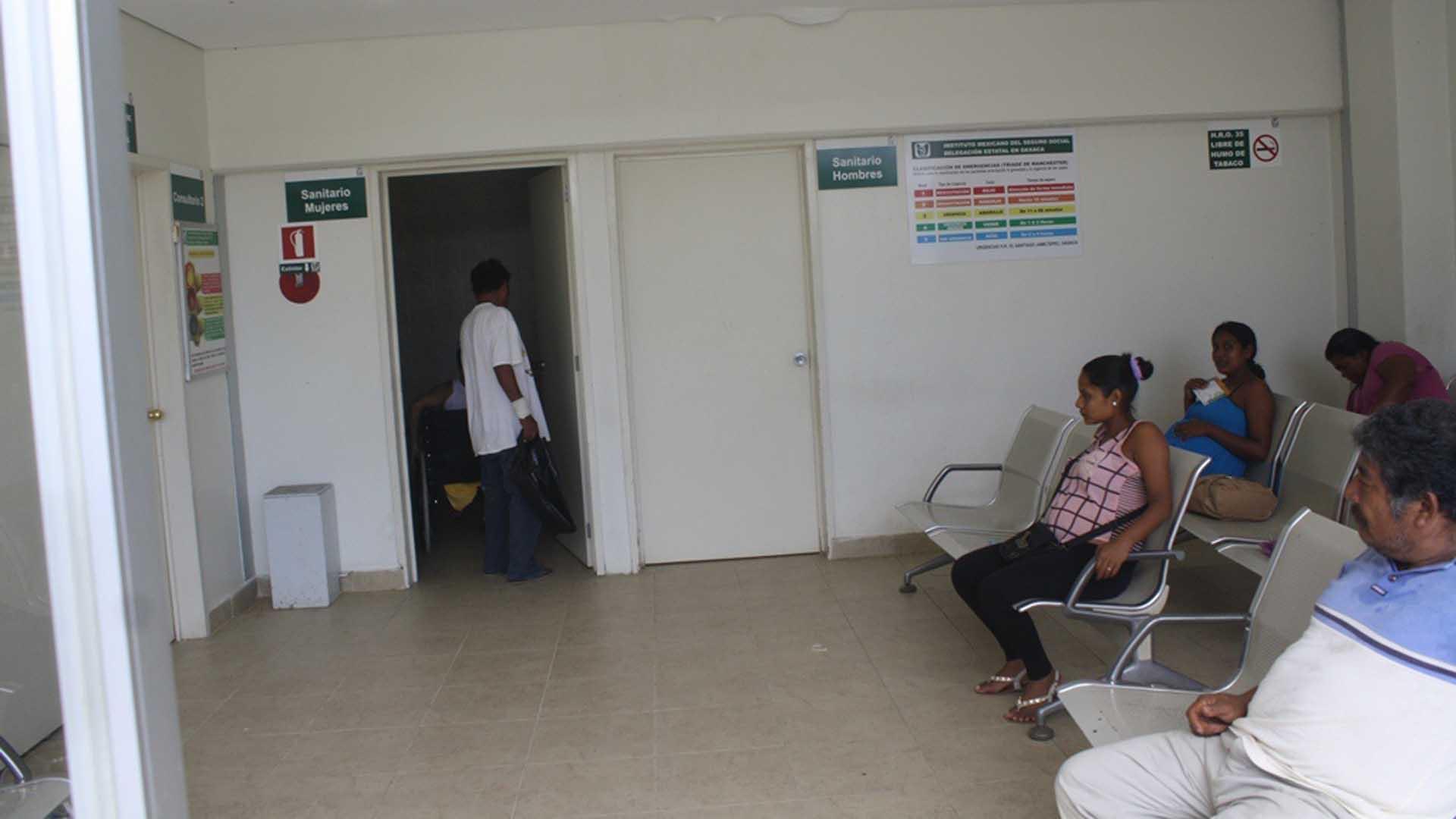 Por supuesta negligencia médica una mujer da a luz en baño de hospital del IMSS en Apizaco