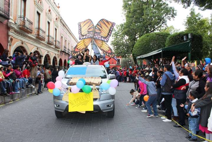 Nopalucan se presentó en el desfile internacional de títeres Rosete Aranda