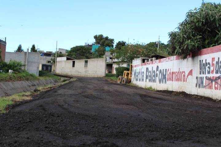 Alcalde rehabilita casi 5 kilómetros de caminos rurales de terracería