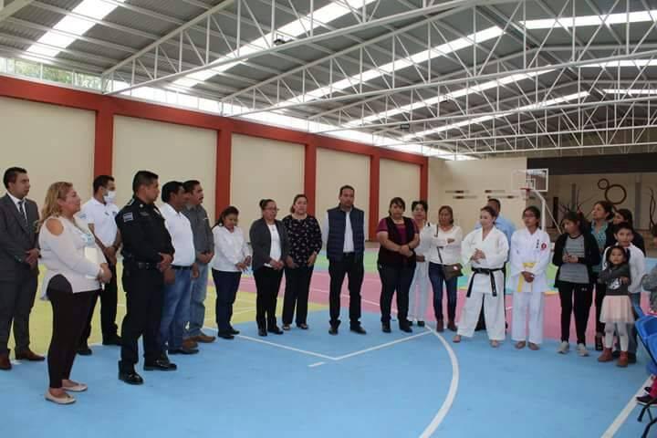 Con taller de defensa personal empoderan a niñas y mujeres de Xiloxoxtla
