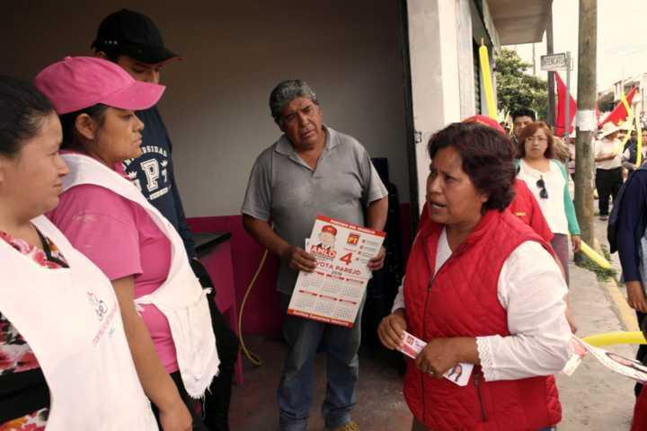 Todos los días se suman más personas al proyecto de Isabel Saavedra en el distrito VI