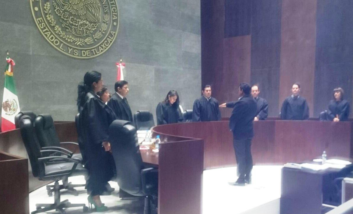 Entrega TSJE a Andy Hernández nombramiento como Juez Municipal de Lardizábal
