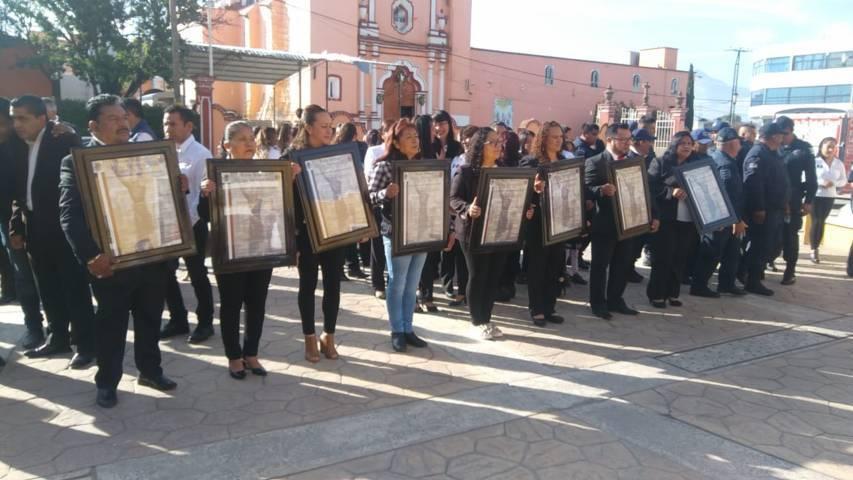 Alcalde inicia festejos del mes patrio fijando Bando Solemne