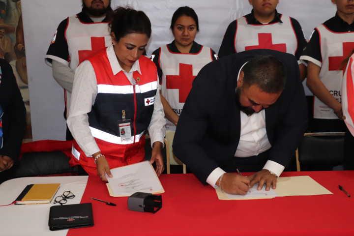 Reitera Xicohtzinco apoyo a la Cruz Roja Mexicana