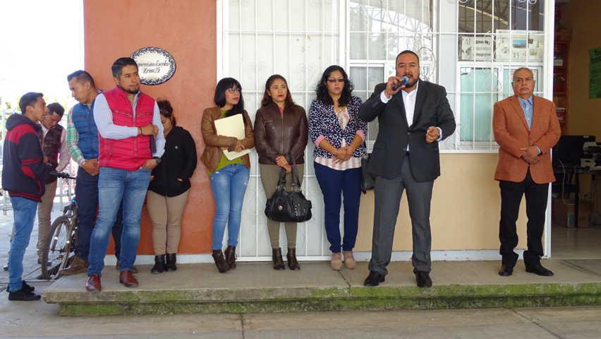 Se reúne Badillo Jaramillo con Padres de Familia