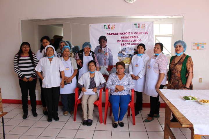 El SMDIF capacita a los encargados de los desayunadores escolares del municipio