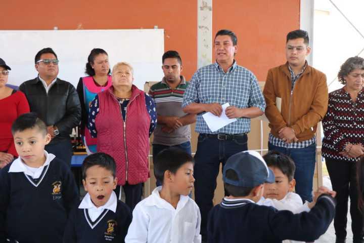Con este material didáctico reforzamos la educación de 150 niños del kínder: alcalde