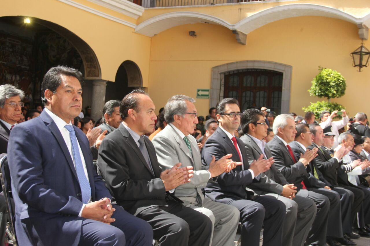 TOA atestigua entrega del FACSIMIL DE LA Constitución al Gobierno del Estado
