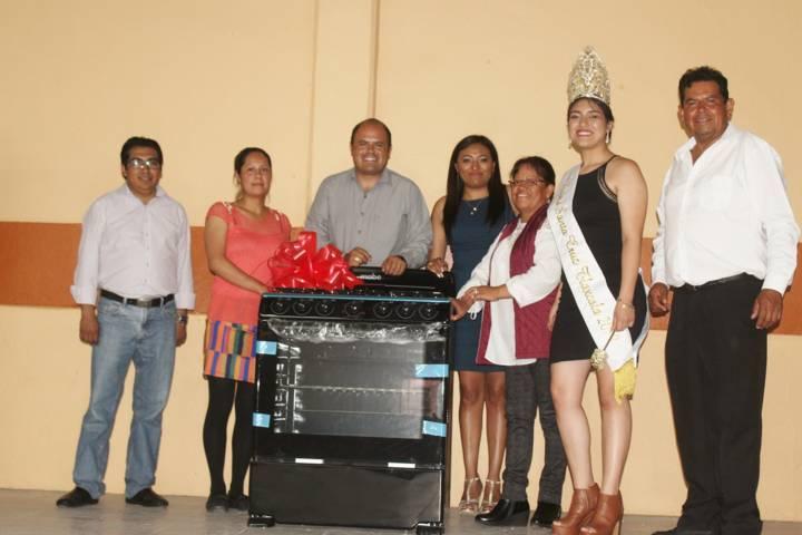 Con magno evento, festejan a las mamás en Santa Cruz Tlaxcala