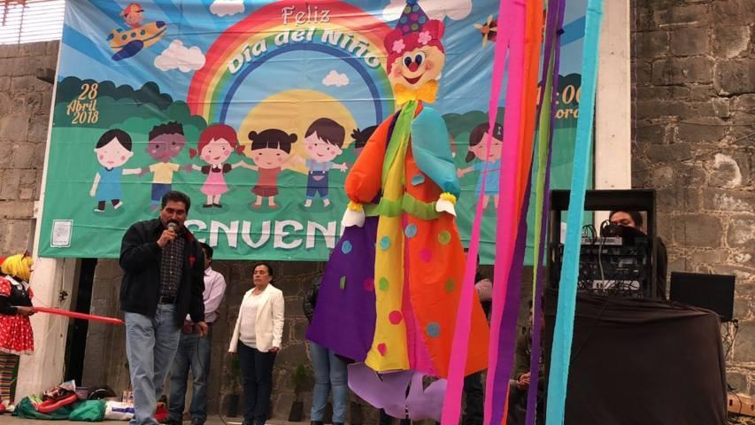 Ayuntamiento y SMDIF homenajearon a los niños y las niñas en su día