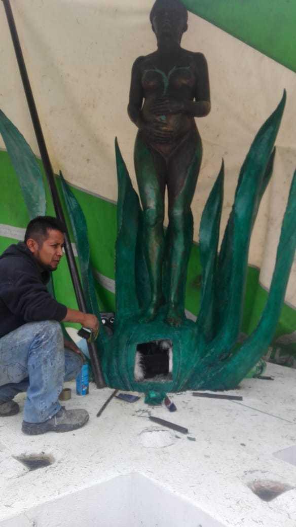 """Alcalde desmiente rumor del robo de la escultura """"Mayahuel"""""""