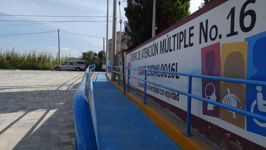 Invierte Badillo más de 300 mil pesos en obra educativa para Xicohtzinco