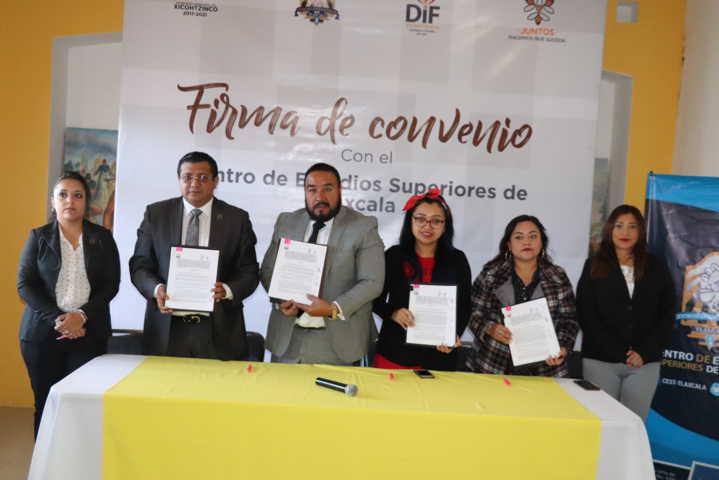 Firman Gobierno de Xicohtzinco convenio con el Centro de Estudios Superiores de Tlaxcala