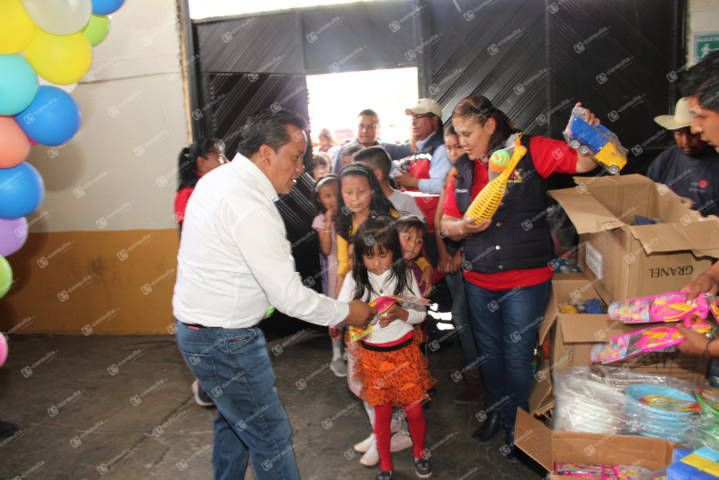 Ayuntamiento y SMDIF festejaron a más de 2 mil niños en su día
