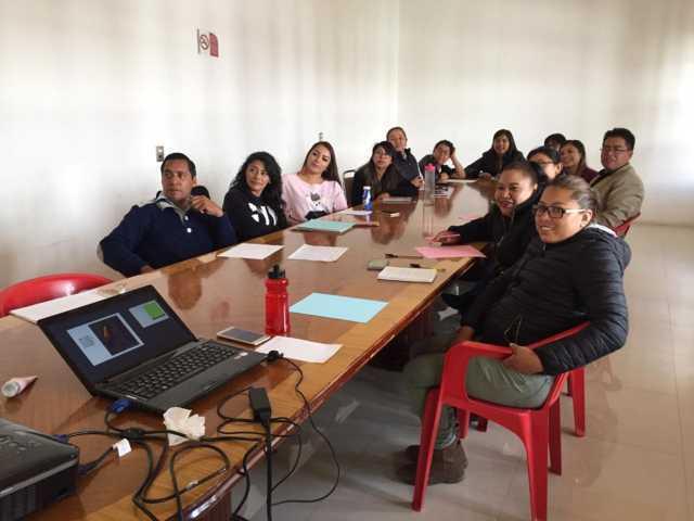 Capacitan a funcionarios de Xicohtzinco en materia de perspectiva de género