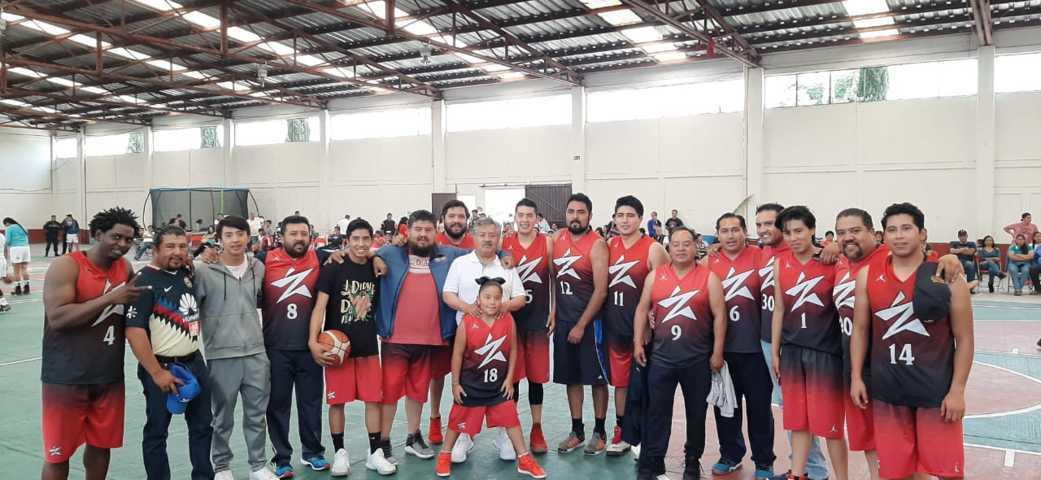 Alcalde impulsa el deporte en los jóvenes con torneo de básquetbol
