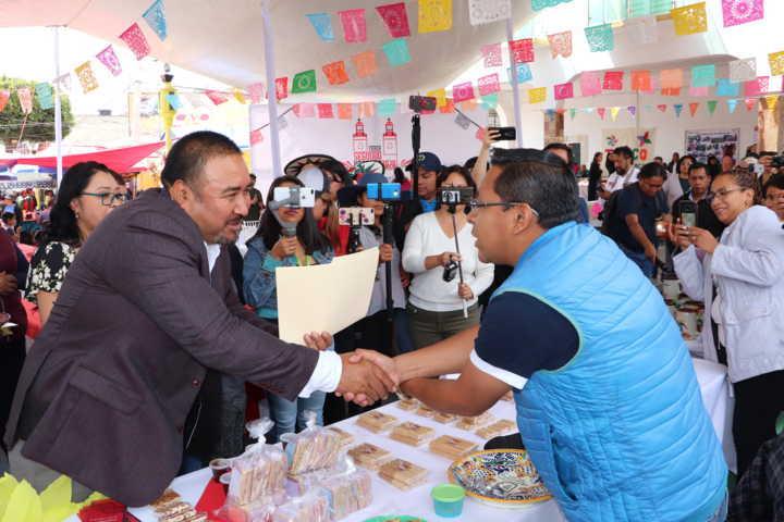Exitosa Muestra Gastronómica en la Feria del Segundo Viernes de Xicohtzinco