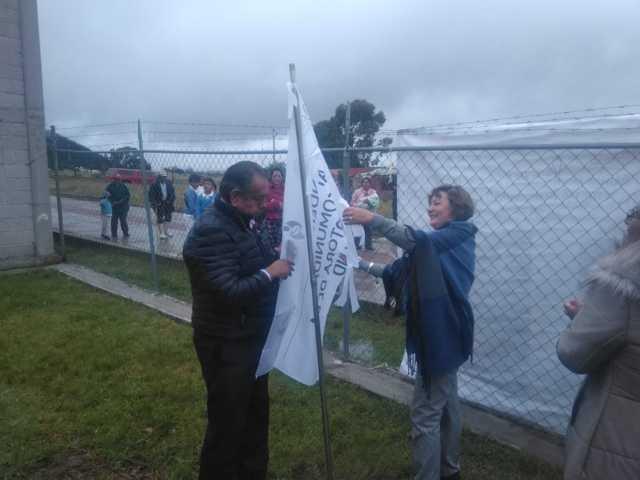 Presidenta del SMDIF coloca la Bandera Blanca en el Centro de Salud de Jilotepec